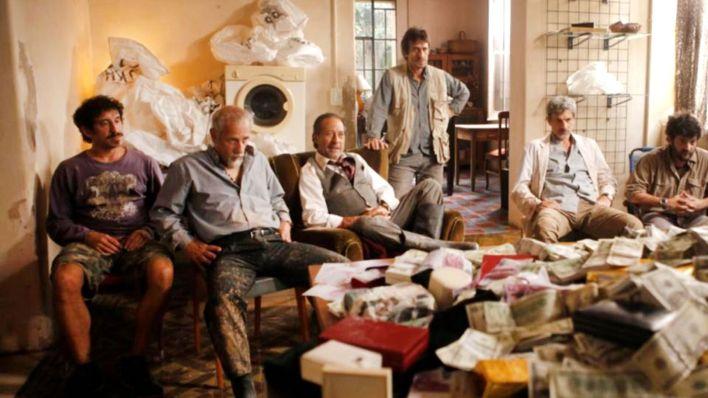 Una escena de la película El Robo del Siglo, protagonizada entre otros por Guillermo Francella y vista por dos millones de espectadores. Se calcula que en el atraco real se llevaron 19 millones de dólares y 80 kilos de joyas.