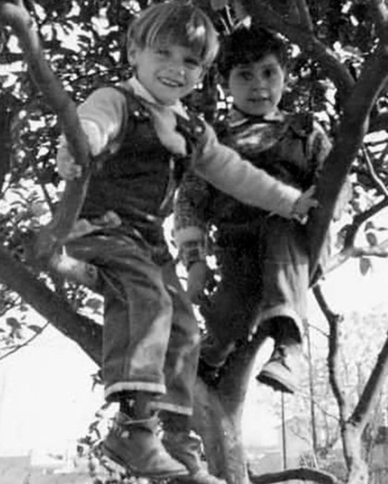 Esteban con su hermano Daniel