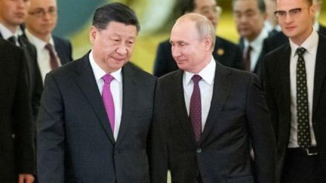 Vladimir Putin y Xi Jinping en Moscú