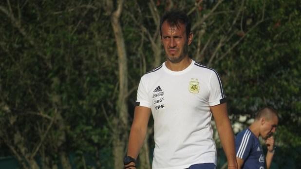 Fernando Batista, entrenador de la selección argentina Sub 23 (Crédito: Prensa AFA)