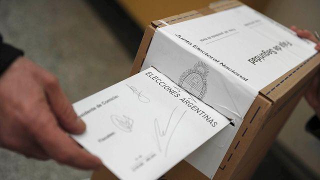 El Gobierno y la Cámara Nacional Electoral (CNE) llegaron a un acuerdo sobre las medidas que se van a tomar para evitar la propagación del virus durante los comicios  (Télam)