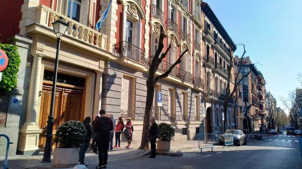 Consulado argentino en España, principal destino de los emigrantes argentinos (Joaquín Pedroso)