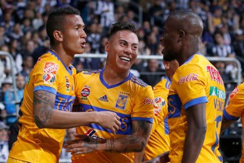 Eduardo Vargas celebró 42 goles con los felinos en 153 partidos disputados (Foto: Antonio Ojeda/ EFE)