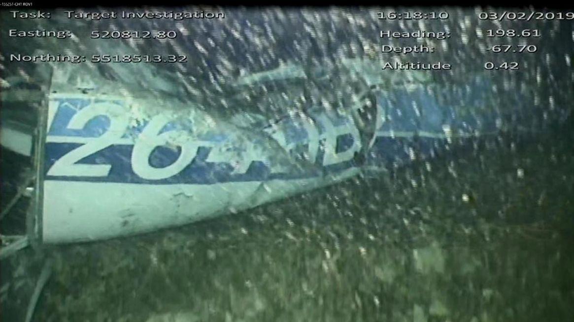 La imagen de la matrícula del avión localizada por los robots submarinos (Foto: AAIB)