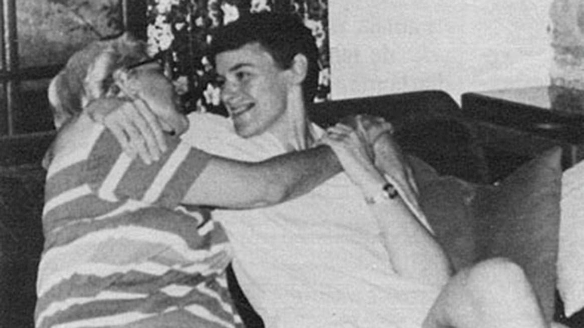 Sor Sonrisa, cuando ya había dejado los hábitos, y su novia Anie Percher