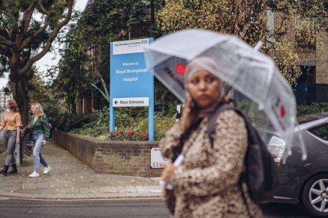 """Para junio de 2016, el hospital Royal Brompton, cerca de Londres, había registrado por lo menos cincuenta casos """"comprobados o posibles"""" de """"C. auris"""". Foto: Tom Jamieson para The New York Times"""