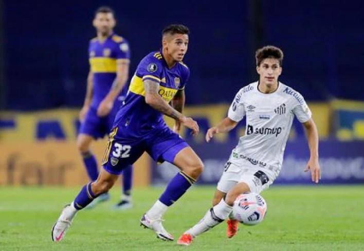 Agustin Almendra en el encuentro de ida ante el Santos por el Gropo C de la actual Copa Libertadores (REUTERS/Juan Ignacio Roncoroni).