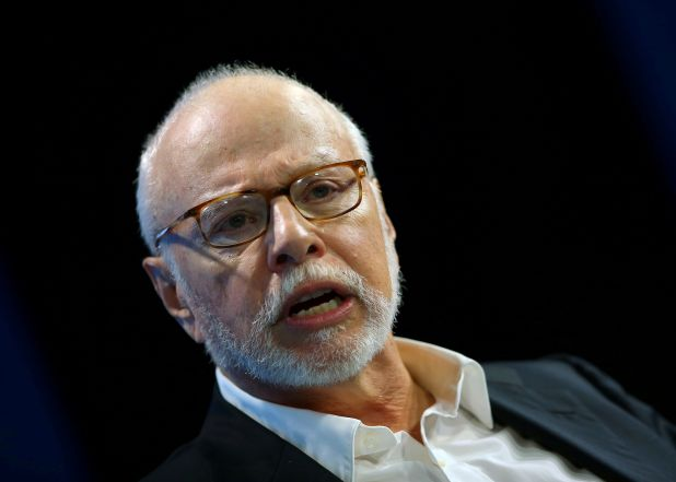 FILE PHOTO: FILE PHOTO: Paul Singer, founder and president of Elliott Management Corp, speaks at WSJD Live conference in Laguna Beach, California, U.S., October 25, 2016.   REUTERS/Mike Blake/File Photo