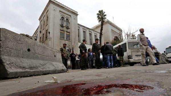 Dos horas después un segundo kamikaze se hizo estallar en un restaurant (AFP)