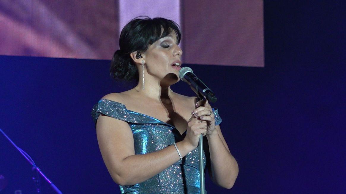 """Marysol quiso entonar también uno de los éxitos del """"Príncipe de la canción"""""""
