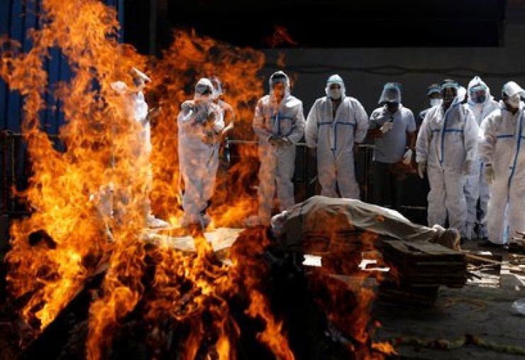 Crematorio en Nueva Delhi. REUTERS/Adnan Abidi