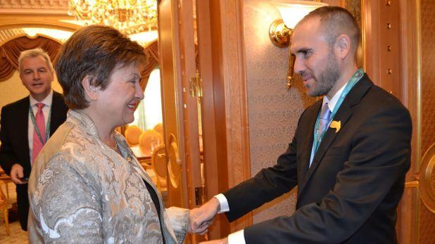La directora-gerente del FMI, Kristalina Georgieva, con Guzmán, en una reunión del G20, en Arabia. Hasta ahora, todo fue respaldo
