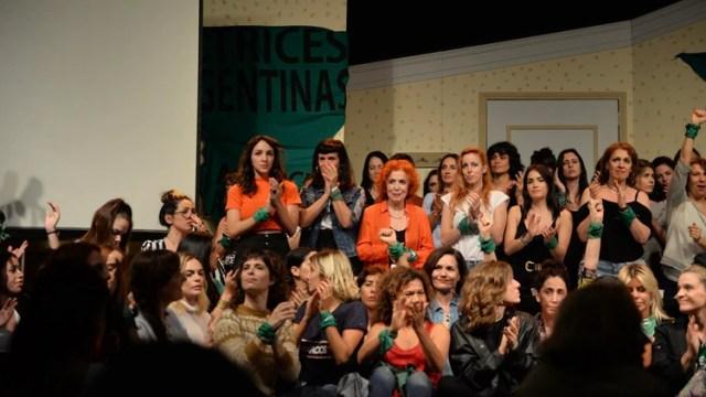 La agrupación Actrices Argentinas dio una conferencia de prensa para apoyar la denuncia por violación de Thelma Fardin. El funcionario judicial de Nicaragua asegura que se enteró del caso por los medios argentinos (Julieta Ferrario)
