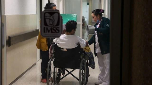 Para atender a los mexicanos contagiados de COVID-19 se preparó un plan integral de acción para adaptar más hospitales del IMSS (Foto: Archico)
