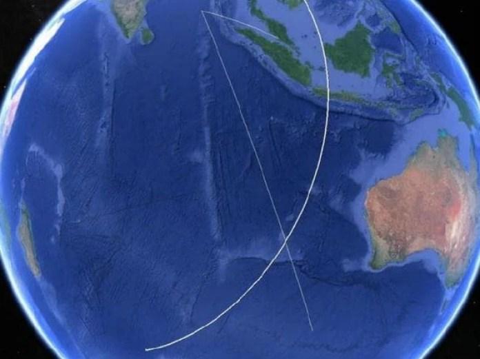 El centro de la X es el lugar en donde el satélite intentó por última vez conectarse con el avión. Se cree que el avión se estrelló en el Océano Indico del Sur