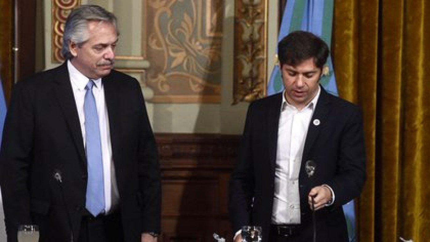 El riesgo de colapso sanitario empujó a que ayer, y fuera de agenda, el presidente Alberto Fernández y el gobernador bonaerense se reunieran durante dos horas y media en la Casa Rosada para analizar la situación por el COVID-19 (Aglaplata)