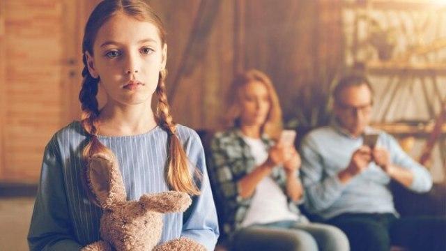 La presencia de los padres distraídos es en realidad una forma de ausencia. (Getty)