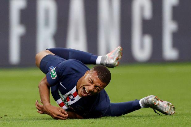 Kylian Mbappé está practicamente descartado para el compromiso por los octavos de final de la Champions League del PSG (Reuters)