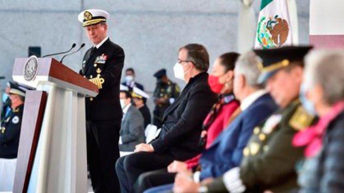 El secretario de Marina, José Rafael Ojeda Durán, durante la ceremonia del Día de la Armada (Foto: Presidencia de la República)