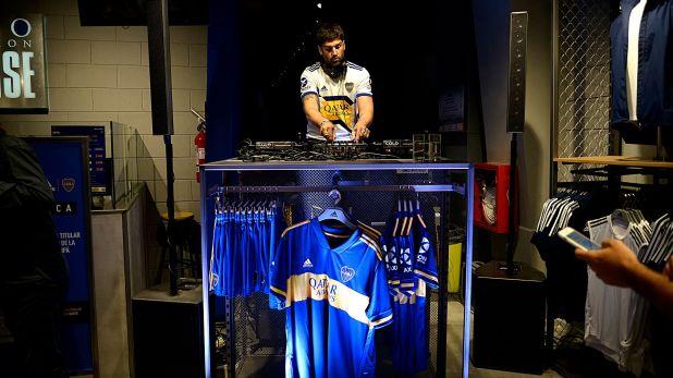 En la tienda del Museo hubo DJ en vivo con sonido de ambientación de la Bombonera (Gustavo Gavotti)