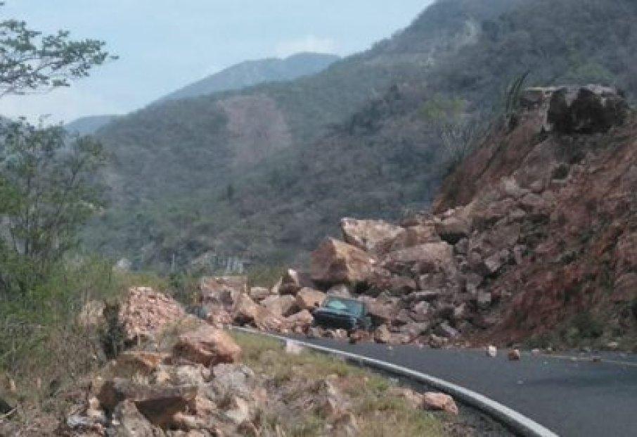 Derrumbes en Oaxaca (FOTO: especial)