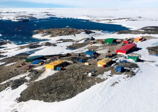 División Australiana Antártica (AAD, siglas en inglés) de la estación australiana Casey, ubicada en la costa Budd de la Tierra de Wilkes en la Antártida