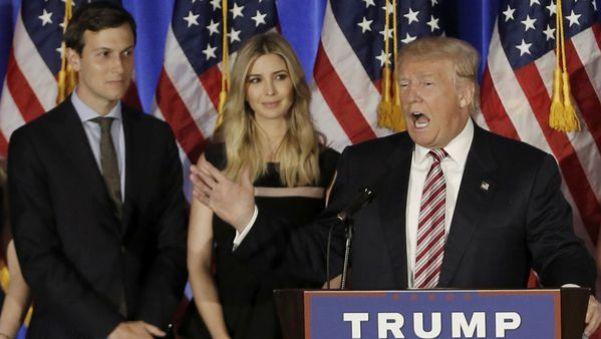 Kushner junto a Ivanka Trump y el presidente de los Estados Unidos