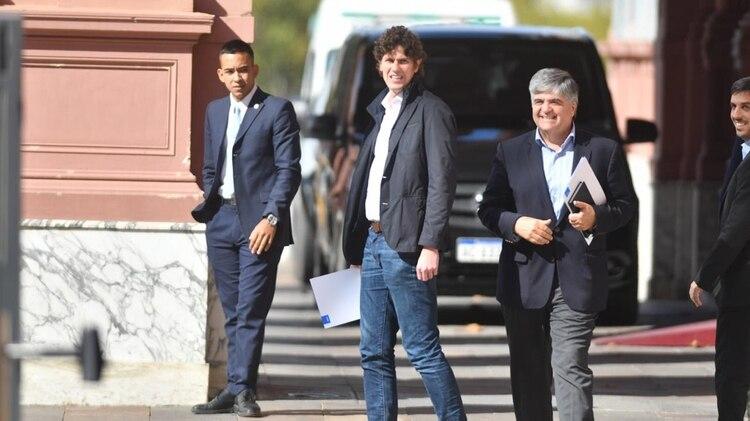 Martín Lousteau, Miguel Gutiérrez -YPF- y Rodrigo Pena en Casa Rosada (Fabian Mattiazzi)