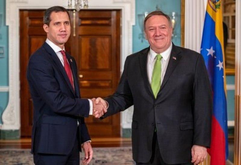 Mike Pompeo junto al líder opositor venezolano Juan Guaido POLITICA INTERNACIONAL Ron Przysucha/US Department of S / DPA