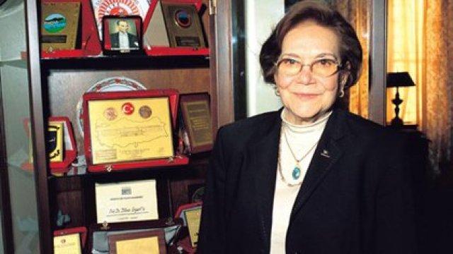 En 1969 recibió el Premio al Logro Apolo (Apollo Achievement Award)  y más adelante el  el Premio del Consejo de Investigación Científica y Tecnológica de Turquía (TÜBİTAK),