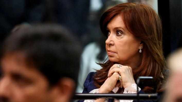 Cristina Kirchner en una de las primeras audiencias del juicio oral (Reuters)