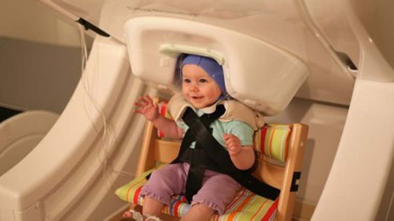 Magnetoencephalography machine lets you study the brain of babies (University of Washington Institute for Learning and Brain Sciences)