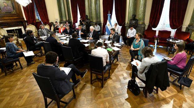 Representantes de todos los bloques escucharon a Ginés González García en el despacho de Sergio Massa
