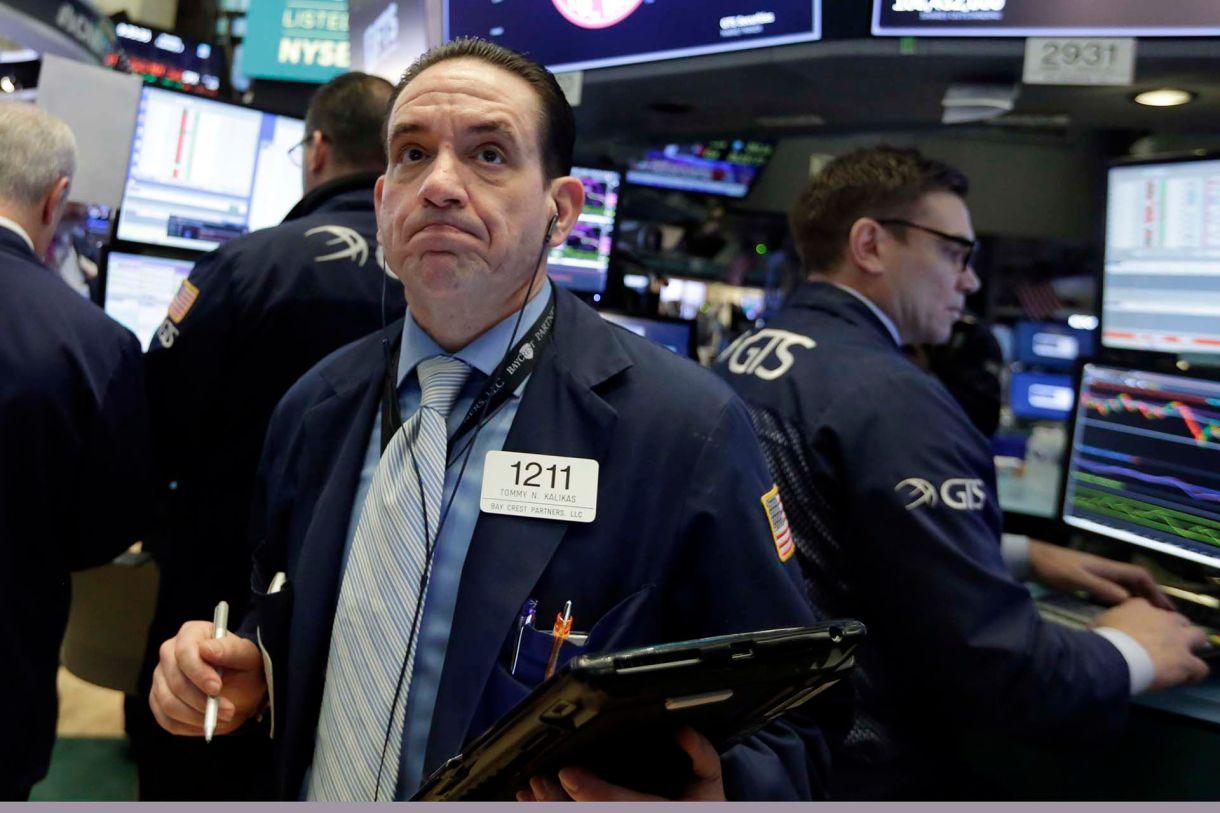 La aversión al riesgo se impone en las principales bolsas del mundo.(AP Photo/Richard Drew)