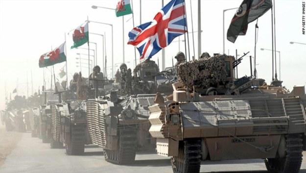 united kingdom menunjukkan kekuatan tempur tank-nya