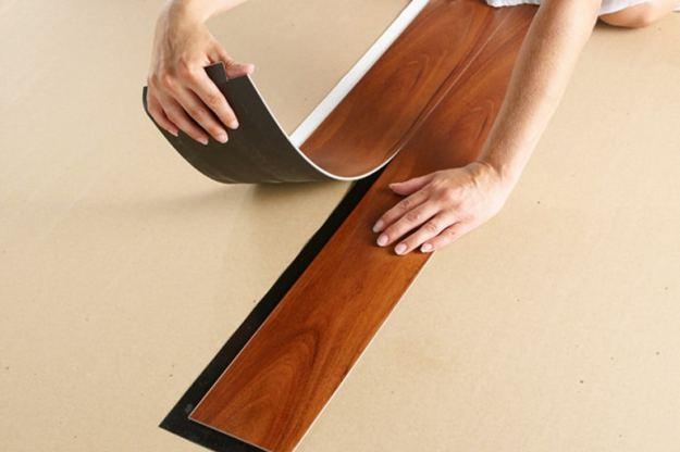 lantai vinyl yang rusak dapat diganti dengan mudah