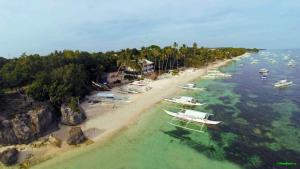 Alona Beach Tawala Bohol Philippines 018