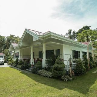 The Bohol White House Bed And Breakfast, Lila, Philippines! 006