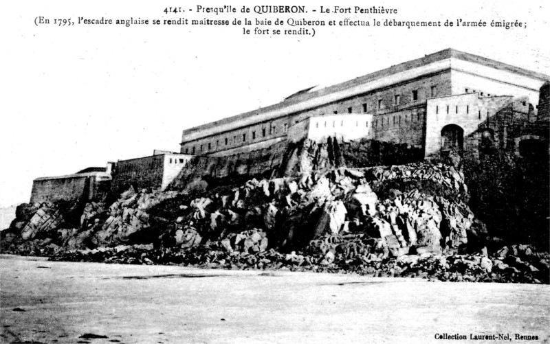 Ville de Quiberon (Bretagne) : fort de Penthièvre.