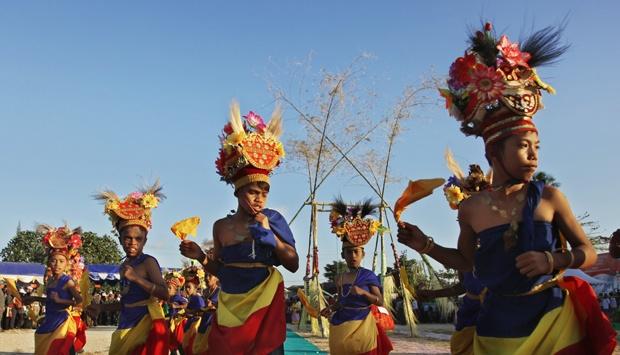 Mahasiswa Indonesia di Rusia menampilkan tarian Reog Ponorogo yang berasal dari Jawa Timur. Sumber: PERMIRA