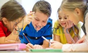 bambini_alunni_disegno