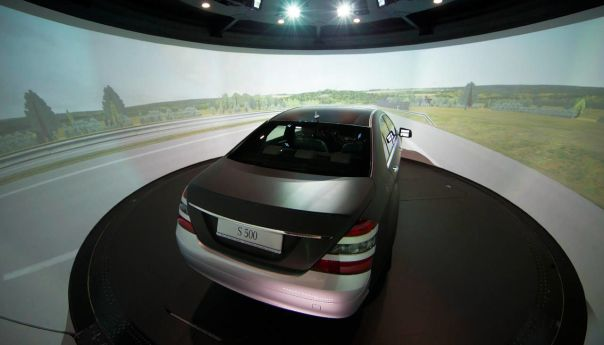 LG Electronics Inc and Mercedes-Benz Team Up For Self-Driving Cars