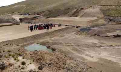 Construcción de represa