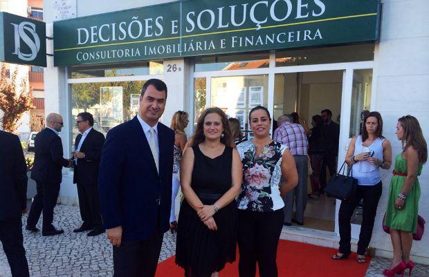Empresa Decisões e Soluções abre agência em Almada