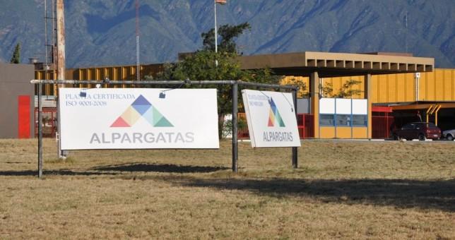 Temor por el desmantelamiento de la planta catamarqueña de Alpargatas