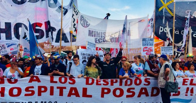 Represión en la movilización de unidad de los despedidos contra el ajuste