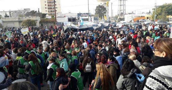 Se profundiza el conflicto y se multiplican las tomas de edificios públicos en Chubut