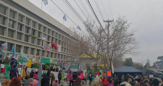 Otra semana de paro docente en Chubut, que es un hervidero