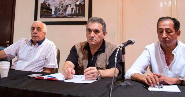 Los gremios del transporte mantienen su agenda independiente de la CGT y amenazan con un paro