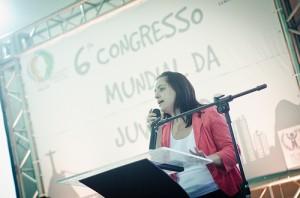 Secretária Nacional de Juventude fala sobre participação juvenil (Foto: Fora do Eixo)